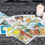 Avantajele unei ședințe de tarot online